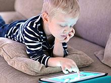 boy-tablet_220w