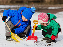 snow-shovels_220w