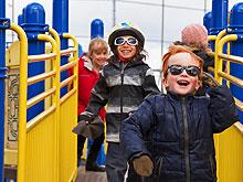 kids-run-yellow_220w